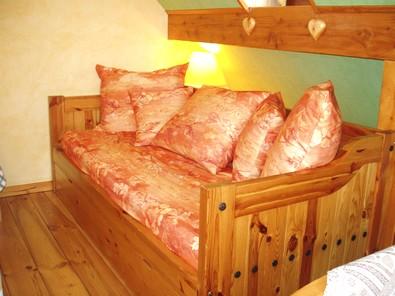 Chambre salon du gite en alsace - Canape lit une personne ...