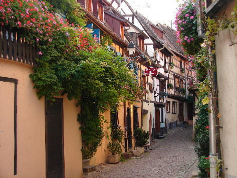EGUISHEIM - Photo BERTHEVILLE