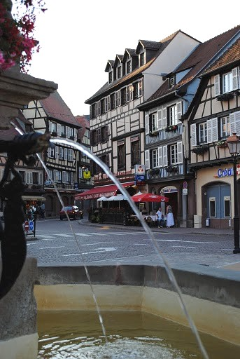 La fontaine d'Obernai sur la place du march�