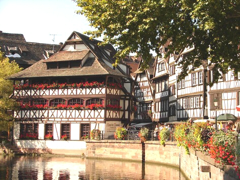 STRASBOURG - Petite France - Photo BERTHEVILLE