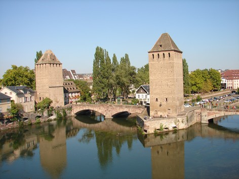 STRASBOURG - Les ponts couverts - Photo BERTHEVILLE